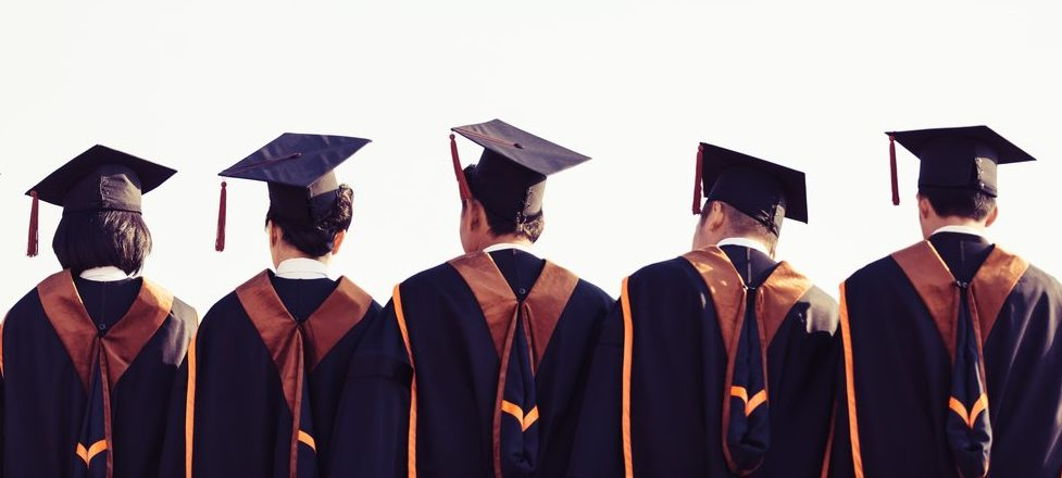 Graduates,Are,Stand,Up,In,Line,To,Get,Your,Degree